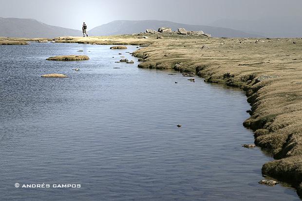 Laguna de los Pájaros, cerca del puerto de los Neveros.